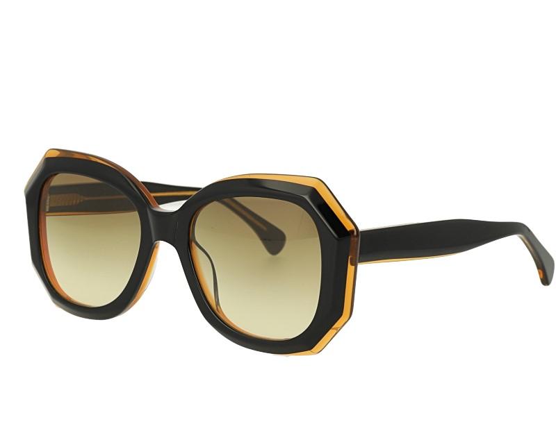Womans Classic Designer Sunglasses